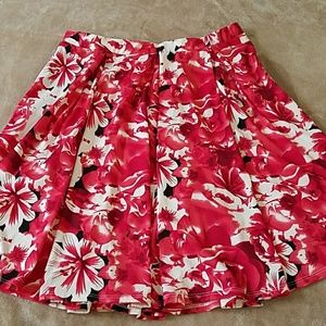LLR XL Madison Pleated Skirt Red Floral